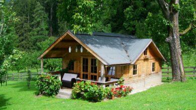 Bild von Holzhaus Pflege von außen – Was gehört dazu?